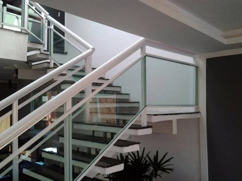 Escada de Aço Industrial Vale das Garças - Escada Industrial