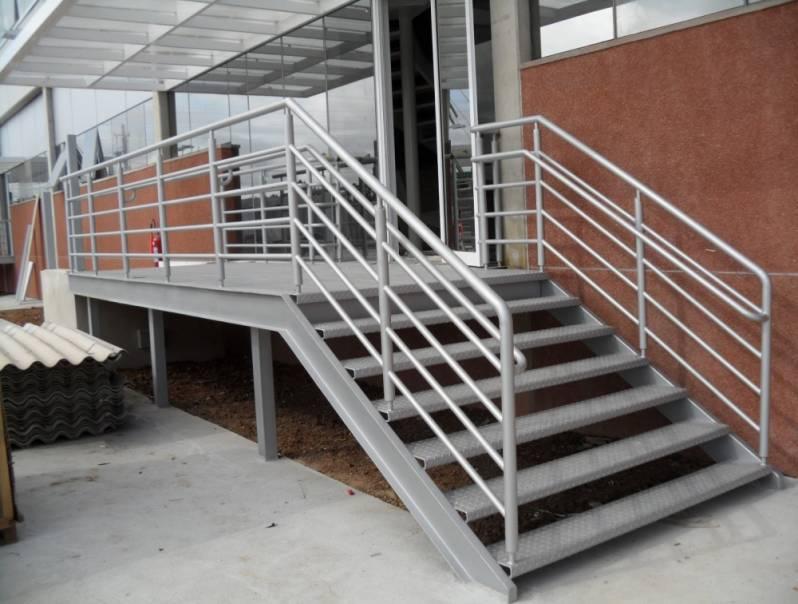 Escada Industrial com Plataforma Vila Nogueira - Escada Industrial Caracol