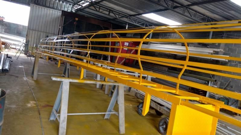 Escada Industrial Itapura - Escada de Aço Industrial