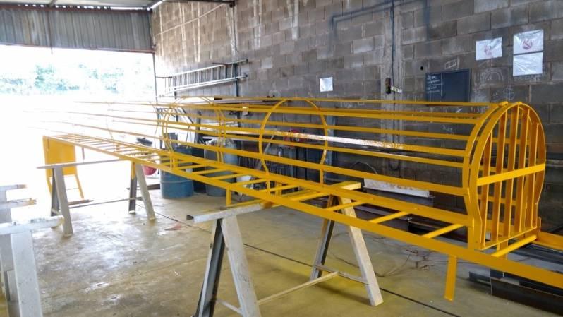 Escada Padrão Bombeiro Preço Jardim Santa Rosa - Escada Helicoidal Industrial