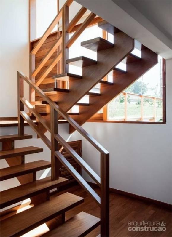 Quanto Custa Escada Industrial com Guarda Corpo Vila Janete - Escada de Aço Industrial