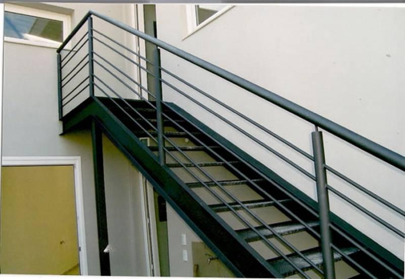 Quanto Custa Escada Industrial com Plataforma Jardim José Martins - Escada de Aço Industrial